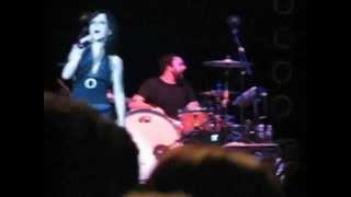 Dolores O`Riordan Accept Things En Vivo Monterrey Mexico 2007 ¡Wonderful Audio! Subtitulado