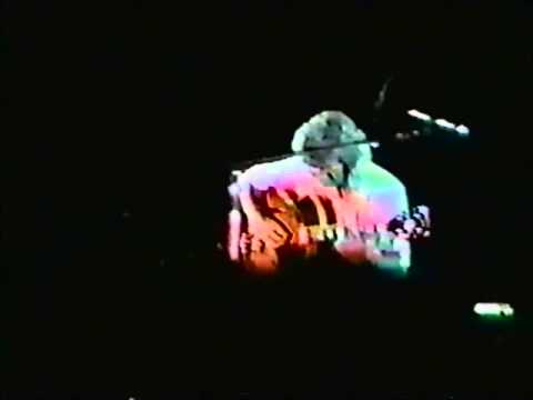 Rik Emmett 1987, playing