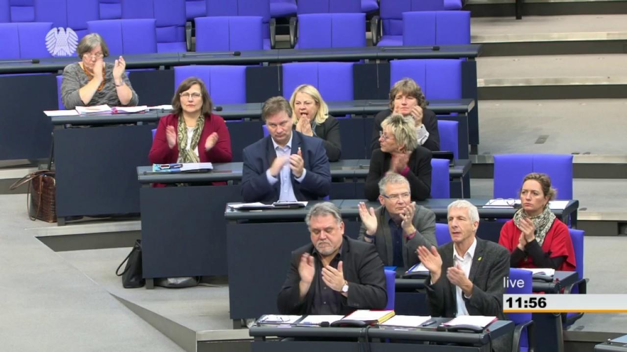 Rede von Sabine Leidig am 16. Dezember 2016 im Deutschen Bundestag zum Thema Schluss mit Schrumpf und Abbau-Bahn!