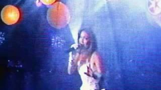 Thalia Canta En Vivo % El Mar Y Una Estrella/Arrasando Medley