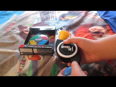 Simon Carabiner and Bop It! Micro Series Review and Gameplay