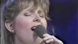Twila Paris - Every Heart That is Breaking (live)