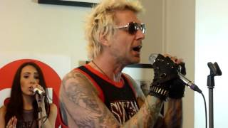 "SIXX AM ""Prayers For The Damned"" Concert privé OUI FM 01.06.2016"