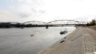 preview picture of video 'Vistula River, Toruń, Kuyavian-Pomeranian, Poland, Europe'