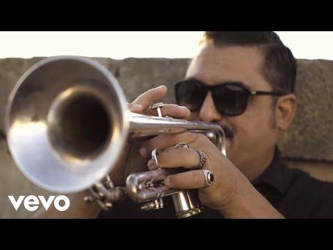 Roy Paci & Aretuska – Revolution (Official Video)