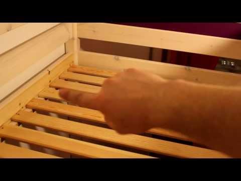 Kinderhochbett Trendy Teil 21/40: Den Rollrost anschrauben
