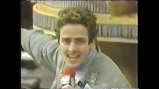 Joey McIntyre - 1999 - Macy's Thanksgiving Day Parade - NYC Girls
