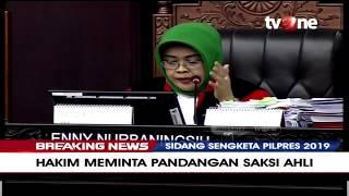 Dalami Pernyataan, Hakim MK Hujani Pertanyaan Kepada Saksi Ahli