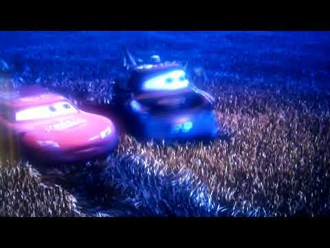 Cars - Tractor Tipping (Spanish)