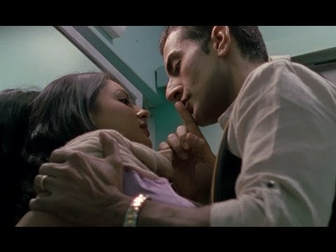 Puja Bose makes out in the train - Rajdhani Express