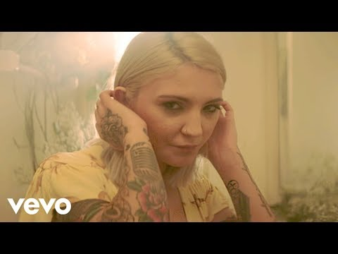 Julia Michaels - What A Time ft. Niall Horan