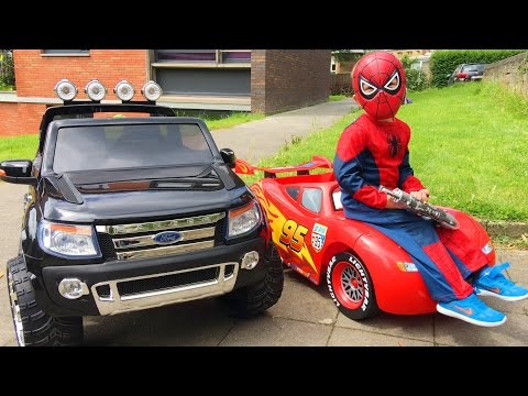 Адам Катается на Машине Молния Маквин Adam Ride Cars Lightning McQueen онлайн видео