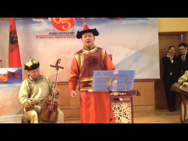 Mongolian singing Albanian folk songs