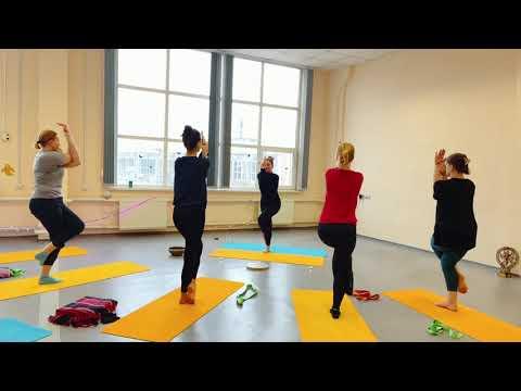 Обучение йога инструкторов в лучшей школе йоге в мире. Международный сертификат. Тел. 0975777007