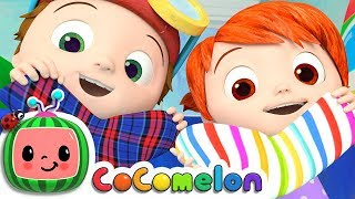 The Socks Song | CoCoMelon Nursery Rhymes & Kids Songs