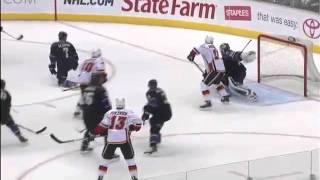 Смотреть онлайн Необъяснимый случай на хоккее: шайба свернула