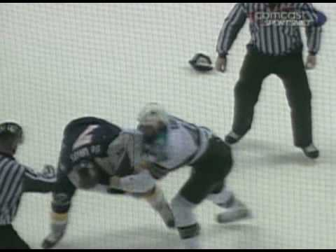 Jody Shelley vs Greg de Vries