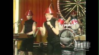 Devo - Whip It (Live On Fridays)