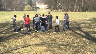 preview picture of video 'Toi, moi et un ballon.mpg'