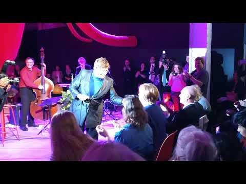 "Angela Merkel singt ""Strange things happen every day"" mit Uschi Brüning 10.09.2017 in Berlin"