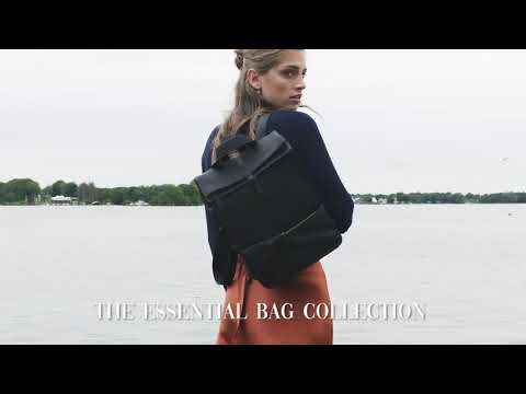 Violet Hamden The Essential Bag axelväska Midnattsvart