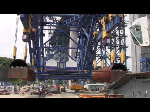 Budowa mostu łączącego Władywostok z Wyspą Rosyjską