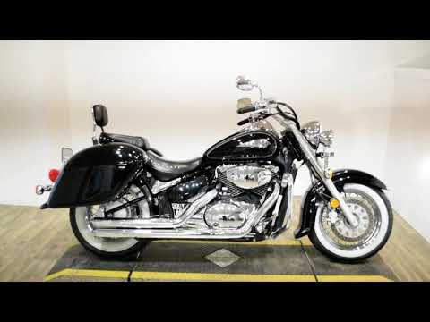 2003 Suzuki Intruder® Volusia in Wauconda, Illinois - Video 1