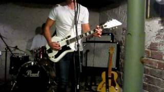 Dead Leaves and the Dirty Ground White Stripes Cover