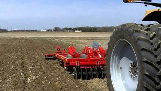 Challenger MT665C pulling a Sunflower 4213-11 Coulter Chisel