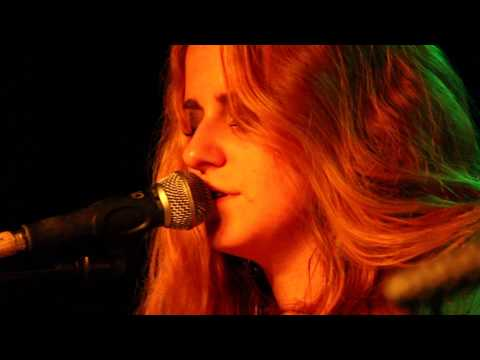 Lightning in a Jug: Carrie Denniston - Dos Equis