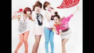 "2NE1 - ""Try to Copy Me"" [Samsung CF]"