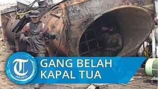Mengunjungi Gang Belah Kapal di Cilincing, Tempat Ribuan Ton Kapal Tua Dipotong Jadi Lempengan Besi