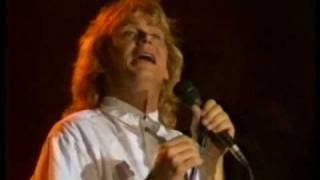 Help & Playing to Win ~~~ John Farnham ~~~ EXPO 88, Brisbane