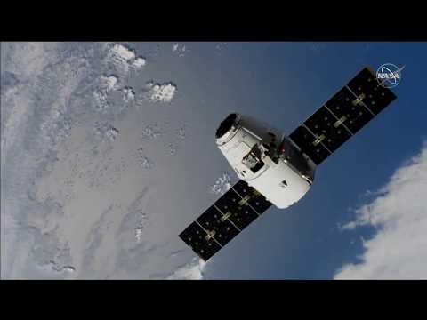 The SpaceX Dragon is holding at 30m from the Space Station (8th December 2019)