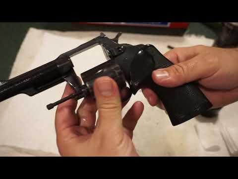 Charter Arms Bulldog: Cleaning and Range Time - смотреть
