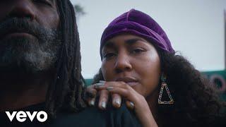 Kadr z teledysku Entrepreneur tekst piosenki Pharrell Williams ft. JAY-Z