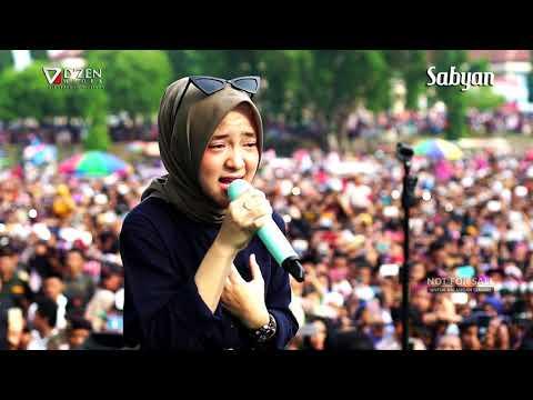 , title : 'Deen Assalam - Sabyan Gambus Live Alun Alun Kajen Pekalongan'