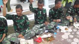 preview picture of video 'LDDK latihan dasar disiplin korps SMK N 1 Talawi'