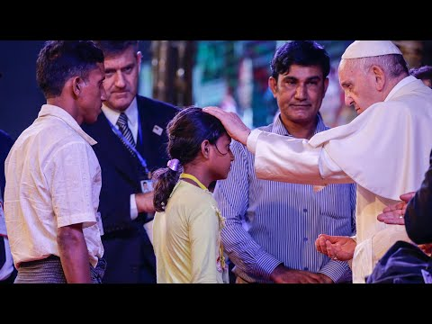 Pope Francis meets Rohingya Muslims in Bangladesh