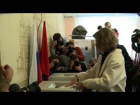 Ksenia Sobchak votes in Russian presidential election