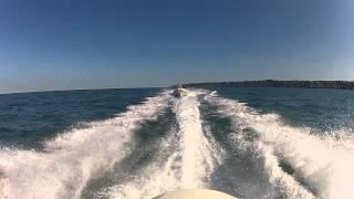 preview picture of video 'Bombard 640 Suzuki 115CH au départ de Jersey à Rozel Bay'