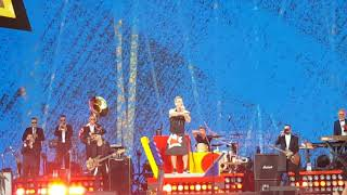 Robbie Williams - Party Like a Russian (Tampere, 10.08.2017)