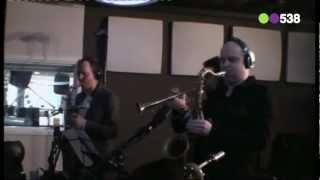 Sven Hammond Soul - Stuck In A Moment (live bij Evers Staat Op)