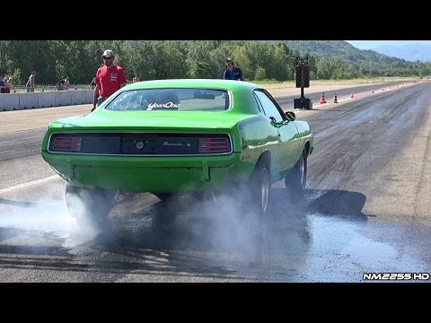 Plymouth 'Cuda 440 V8 Burnout at the Drag Strip