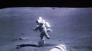 AstronautsfallingontheMoon,NASAApolloMissionLandedontheLunarSurface