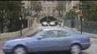 Parkour Commercial: Mercedes