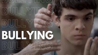 Hoje Eu Quero Voltar Sozinho - Bullying
