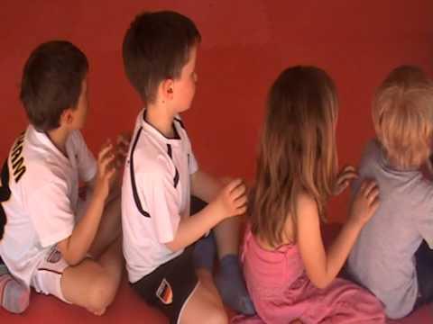 Die Massage bei der Valgusdeformation der Füsse bei den Kindern
