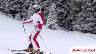 Смотреть онлайн Как правильно поворачивать в положении Плуг на лыжах