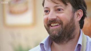 David Mitchell being adequately annoyed on bake off for (almost) 5 minutes.